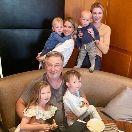 Alec Baldwin, Hilaria Thomas Bladwin, Ireland Eliesse Baldwin, daughter and sons