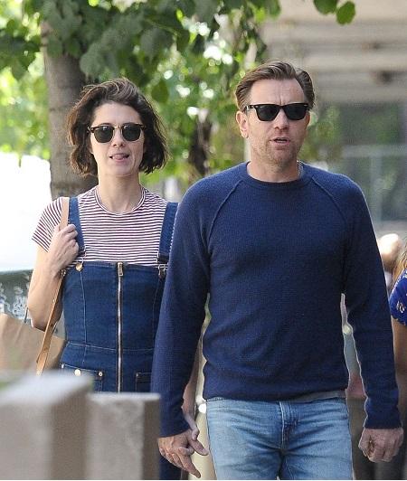 Ewan McGregor walking with his new girlfriend Mary Elizabeth Winstead