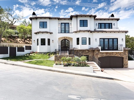 Alexis And Serena Bought $9.6 million Beverly Hills Mansion