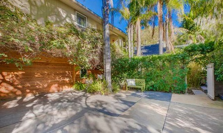 Peter Gallagher listed his Brentwood home for sale at $5.795 million
