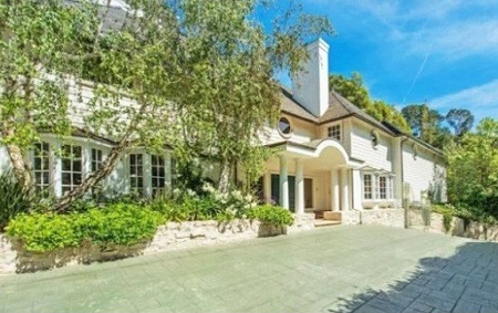 Breckin Meyer's former Beverly Hills mansion