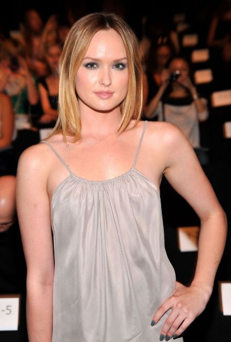 Kaylee DeFer owns a net worth of $800,000