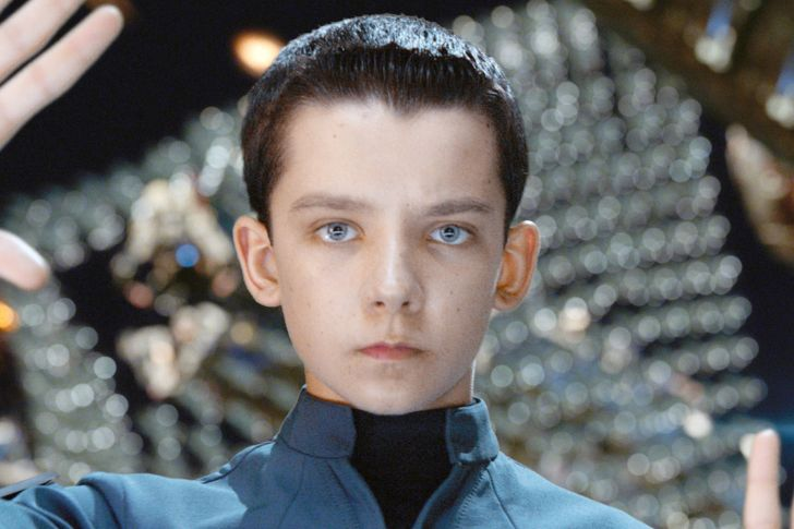 Asa Butterfield-Net Worth, Wife, Age, Height, Movies, House, Kids, Series
