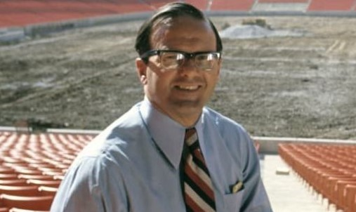 How Rich Is Lamar Hunt Family? Their Business, Income Sources, Family Members And Earning